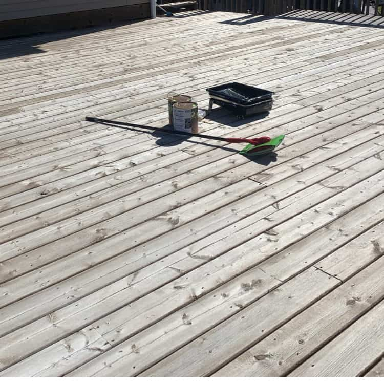 preparing a deck for staining