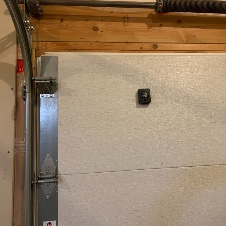 MyQ Smart Garage Hub sensor