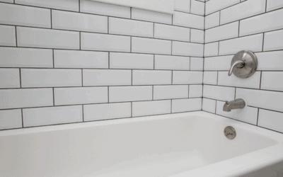 How to Clean a Bathtub with Bleach