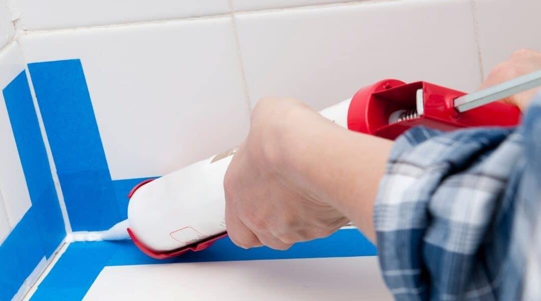 Caulking a bathtub: How to re-caulk your bathtub